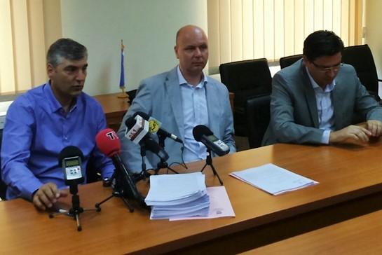 Dražen Vlah i Mladen Jozinović u poslovnom odnosu s Petrom Pripuzom