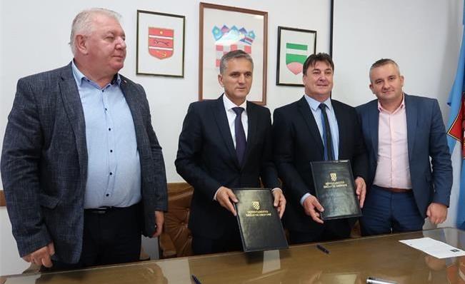 Ministar Goran Marić i Josip Đakić u Pitomači