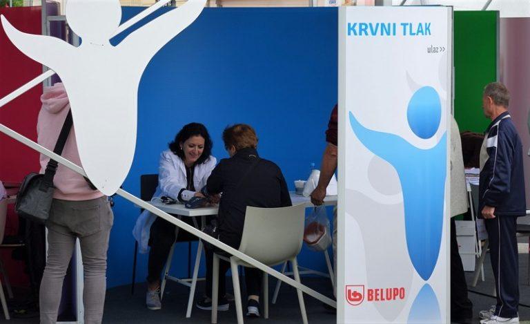 Belupo - mjerenje zdravlja i tlaka građanima u Koprivnici