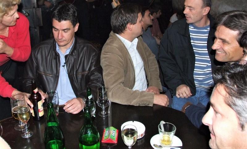 Zoran Milanović s pivom Podravka