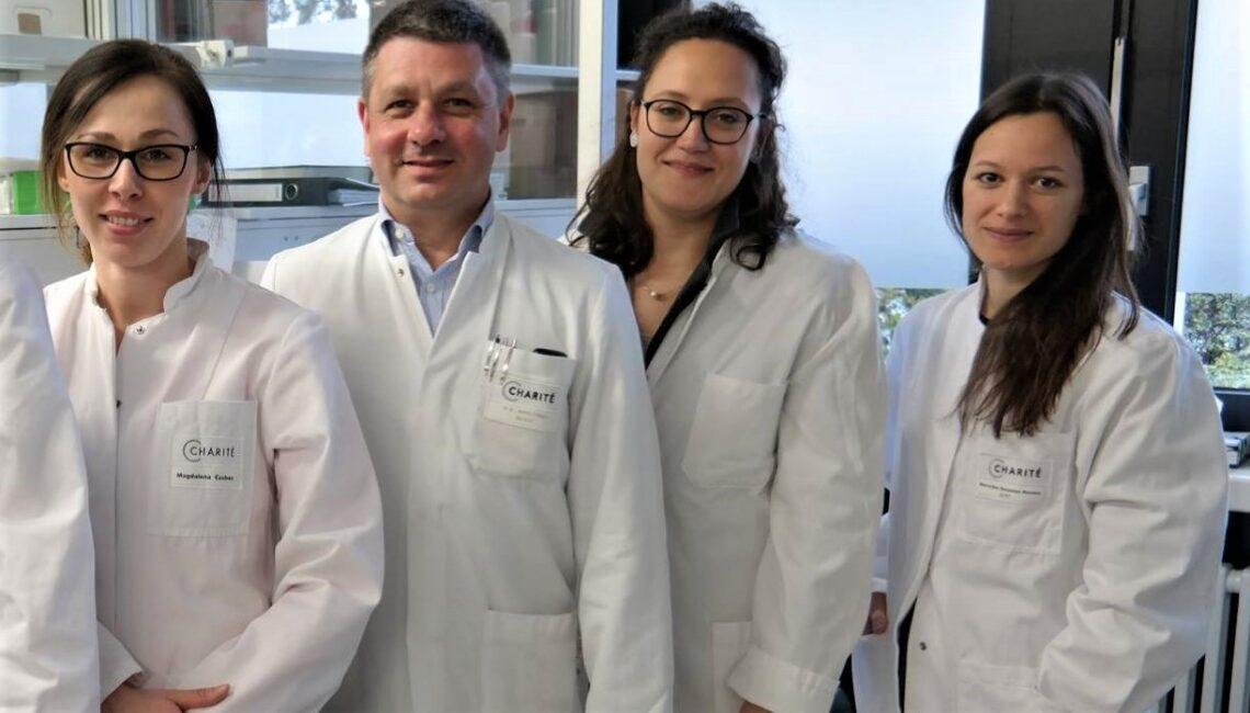 Andrej Trampuž sa svojim timom u berlinskoj bolnici Charite