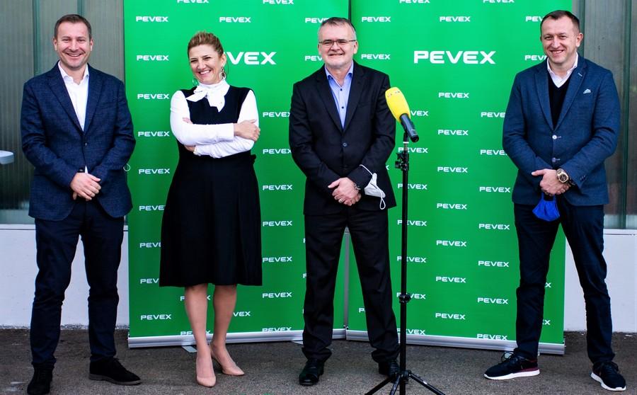 Novi Pevex centar u Makarskoj - na slici predsjednik uprave Jurica Lovrinčević